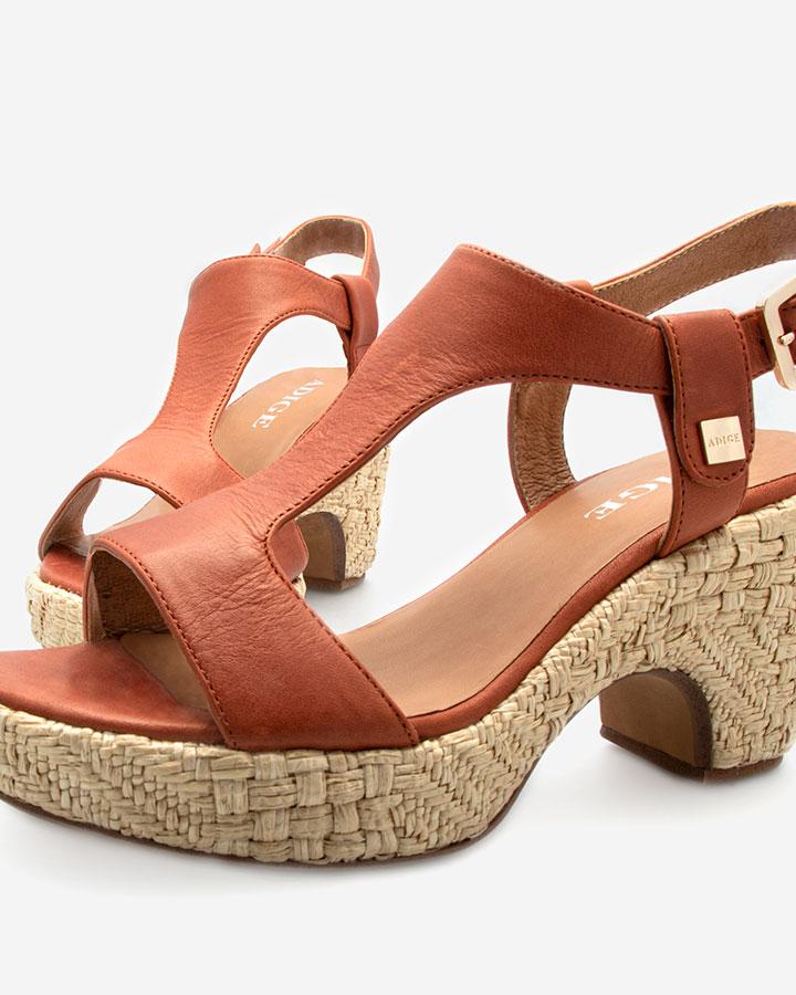 Romy sandale brique compensée chic