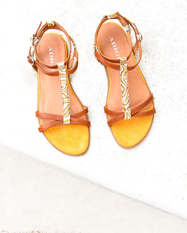 Sandale Plate Camel Imprimée